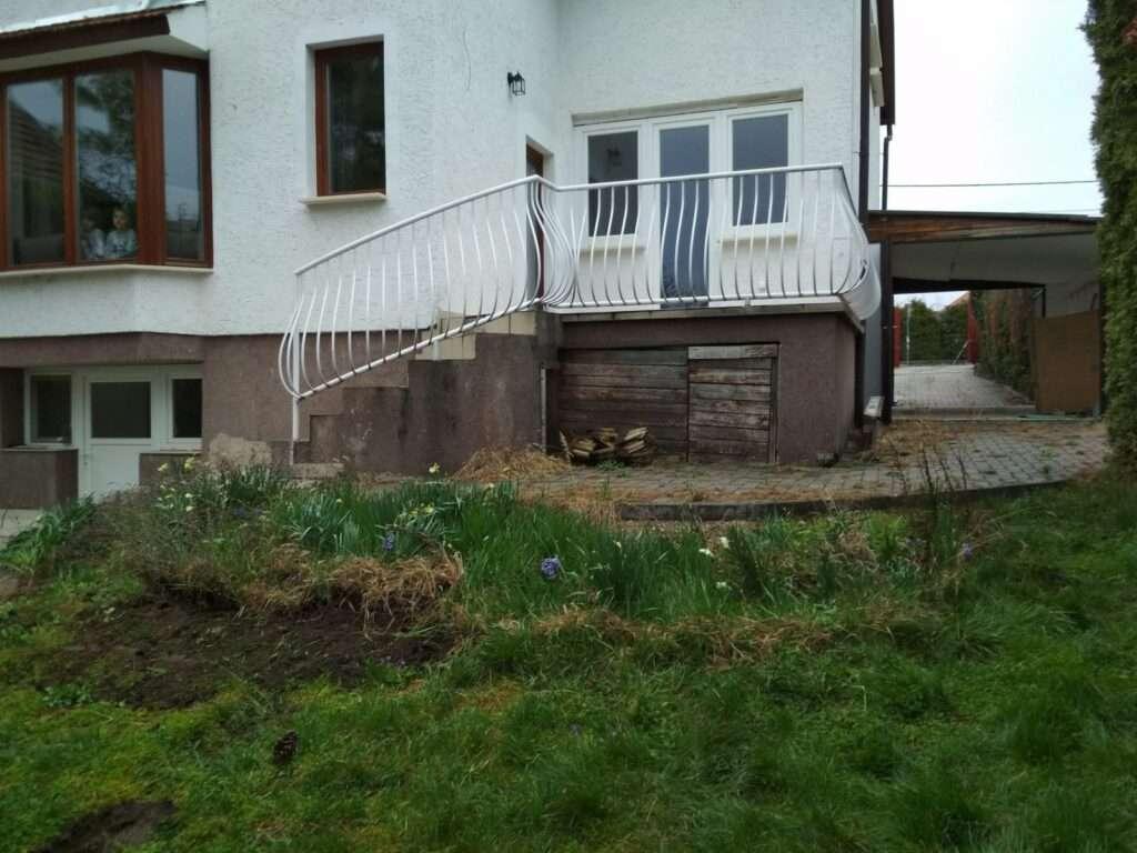 Családi ház, hátsó  udvar rendberakása fotók