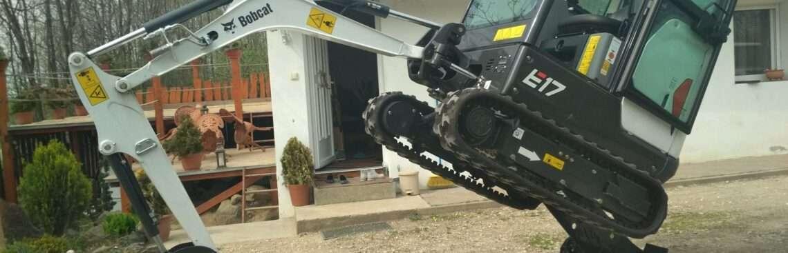 Bobcat felrakása egyedül, egy teherautó platójára videó